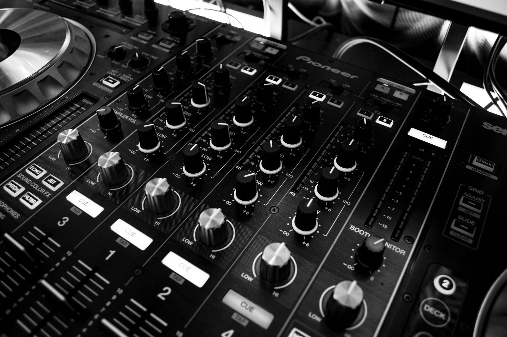 3 Pieces of tech every DJ needs if they are going to become professional
